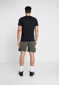Nike Performance - VENT MAX - Sports shorts - cargo khaki/black - 2