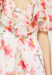 Missguided - FLORAL RUFFLE HIGH LOW MAXI DRESS - Suknia balowa - pink - 6