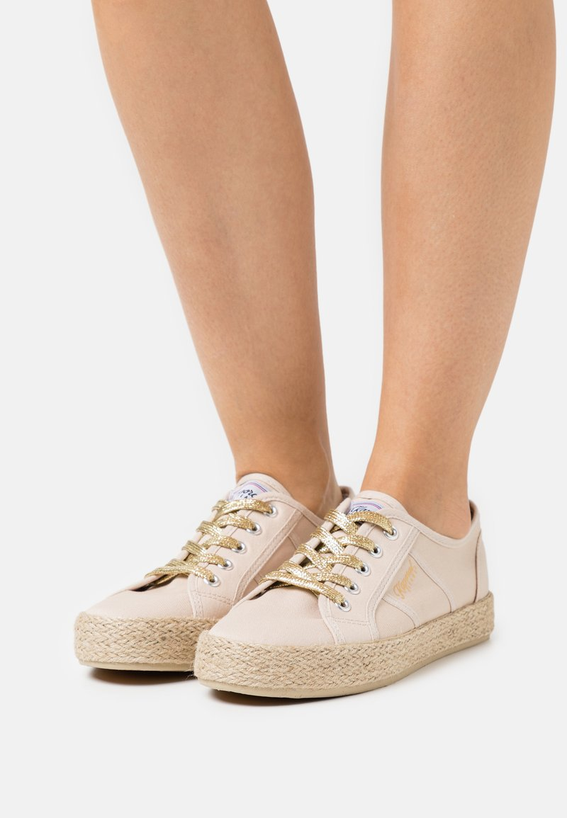 Kaporal - TORGATY - Volnočasové šněrovací boty - beige