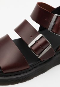 Dr. Martens - GRYPHON - Sandals - charro brando - 5