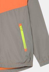 GAP - BOY - Light jacket - neon orange - 3