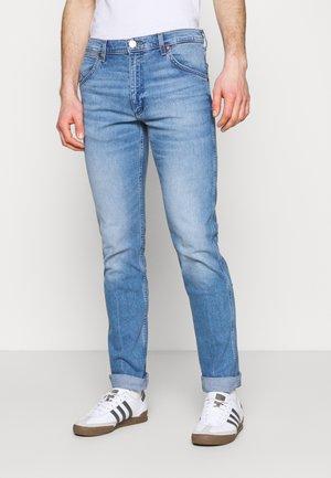 11MWZ - Straight leg jeans - the wrider