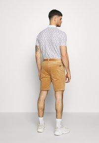 Anerkjendt - AKCARLO - Shorts - tannin - 2