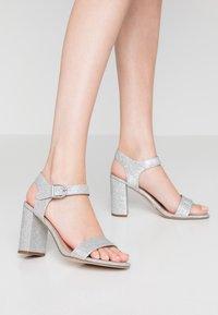 New Look - VIMS - Sandalias de tacón - silver - 0