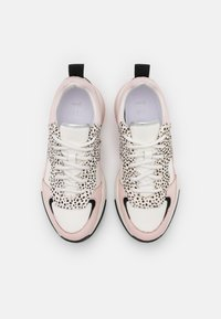 Ted Baker - IZSLA - Trainers - white/pink - 5