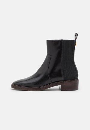 CHELSEA BOOT - Støvletter - perfect black