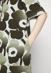 Marimekko - HEINIKKÖ PIENI UNIKKO DRESS - Shirt dress - green/dark green - 6