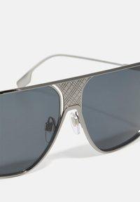 Burberry - UNISEX - Sluneční brýle - gunmetal - 4