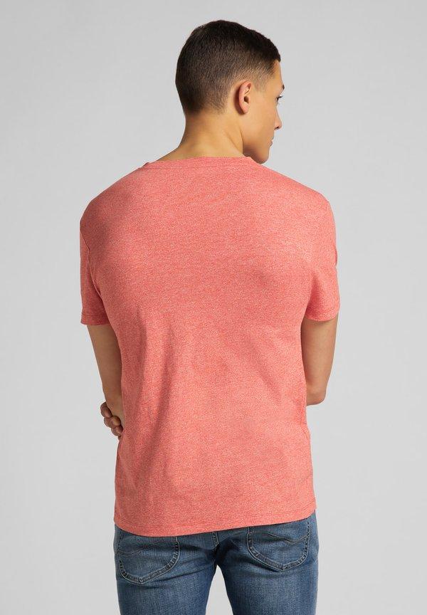 Lee ULTIMATE POCKET TEE - T-shirt z nadrukiem - aurora red/czerwony melanż Odzież Męska TEEB