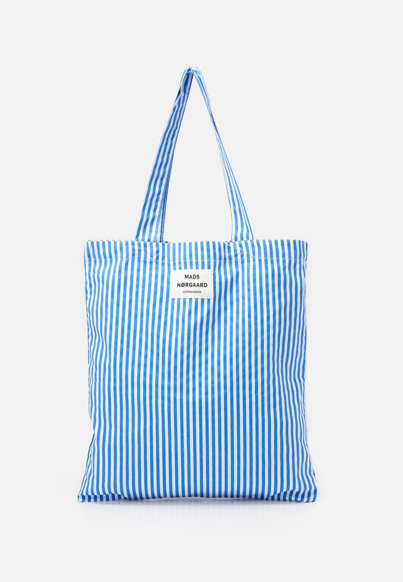 Mads Nørgaard - SOFT ATOMA - Tote bag - blue/white