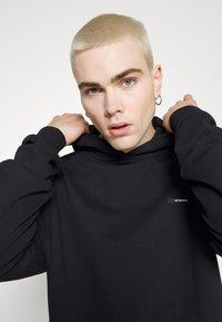 9N1M SENSE - SIDE PEACOCK HOODIE UNISEX - Sweatshirt - black - 6