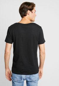 Pier One - T-shirt - bas - jet black