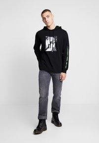 Diesel - LARKEE - Straight leg jeans - grey denim - 1