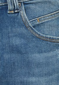 Marc O'Polo DENIM - FREJA BOYFRIEND - Relaxed fit jeans - mid blue marble - 5
