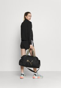 Puma - GRIP BAG 25 L - Sportovní taška - black/bright gold - 0