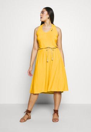 MILIE PLUS - Vestido ligero - yellow