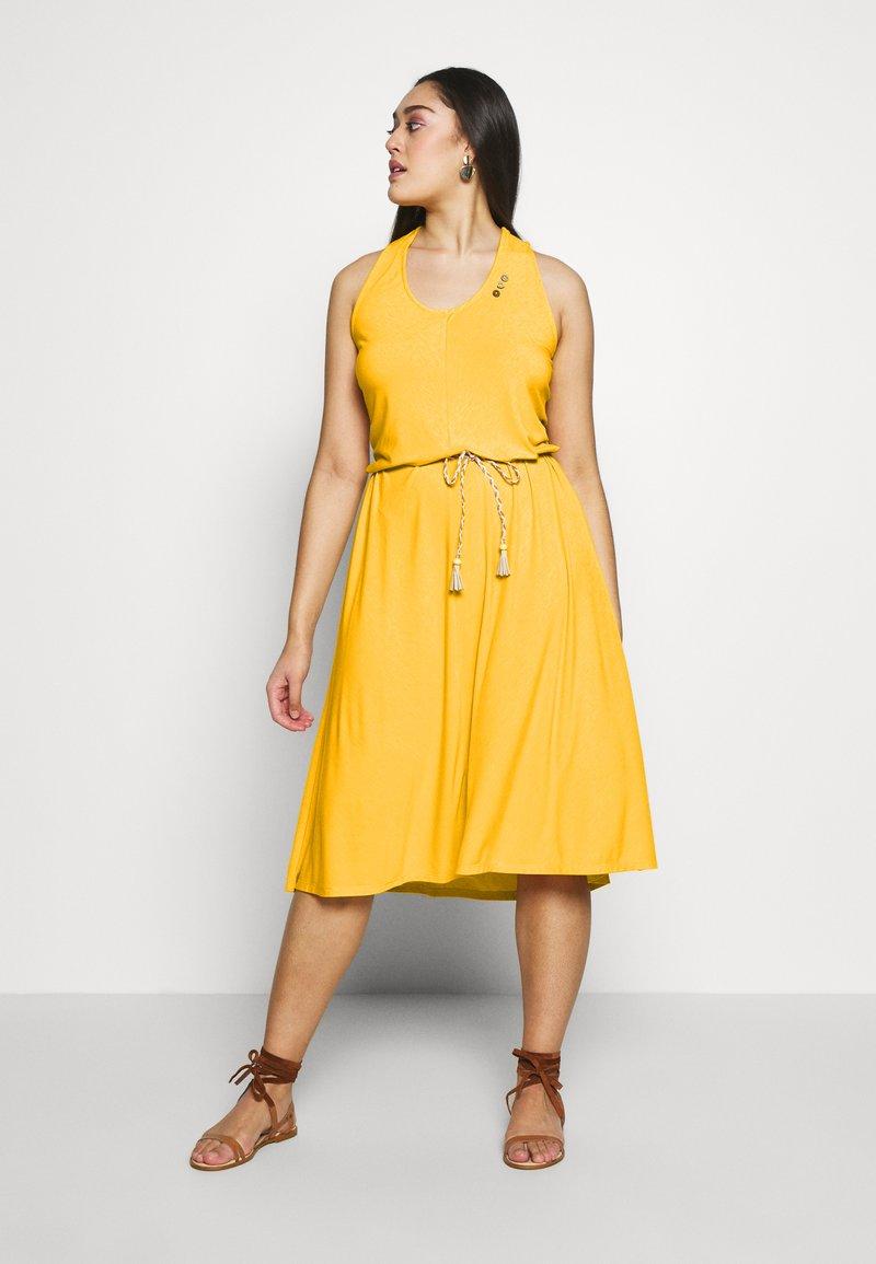 Ragwear Plus - MILIE PLUS - Žerzejové šaty - yellow