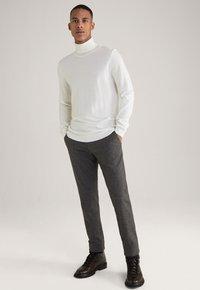 JOOP! Jeans - Trousers - schwarz/navy/braun - 3