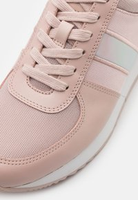 MICHAEL Michael Kors - ALLIE TRAINER - Trainers - soft pink - 6