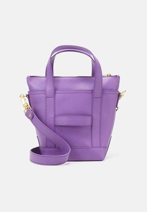 MILLI MATKURI LEA BAG - Handtas - violet