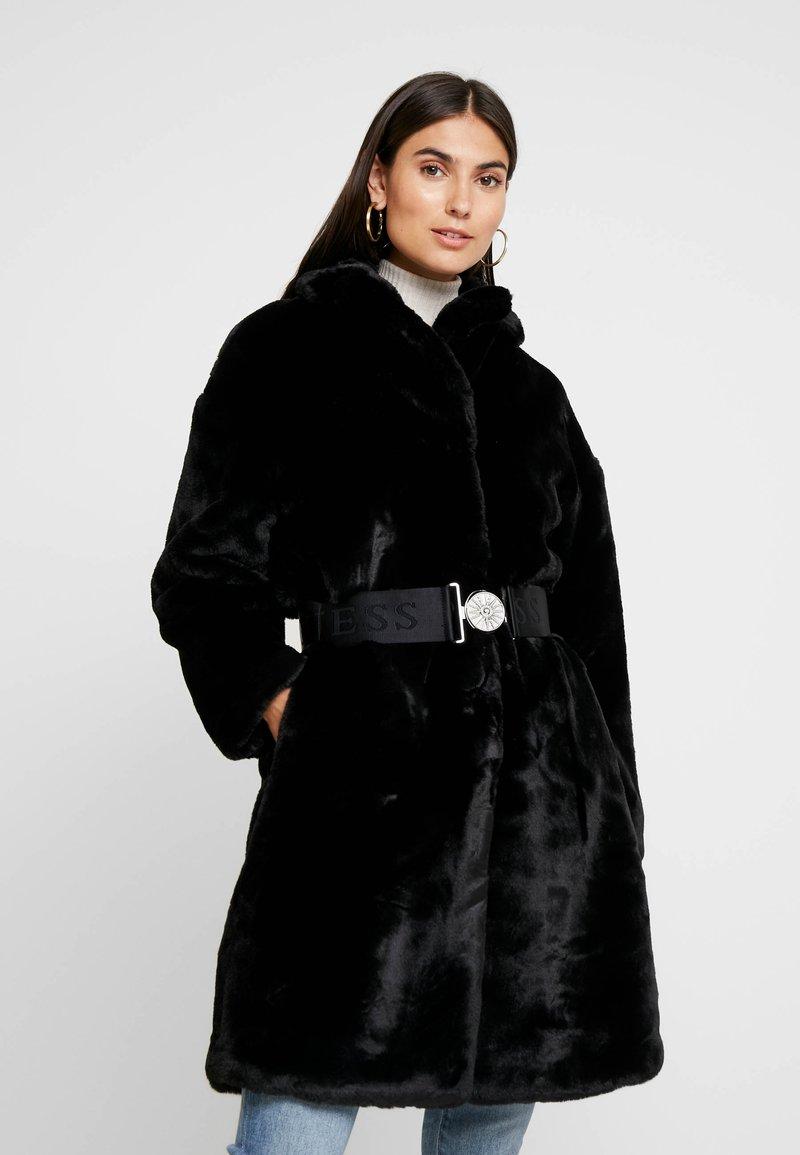 Guess - SHELLY COAT - Zimní kabát - jet black