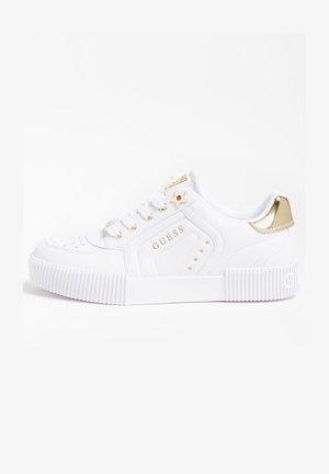 FRANSEY PRÄGUNG STERNE - Sneakersy niskie - weiß