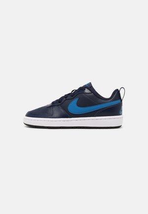 COURT BOROUGH UNISEX - Sneakersy niskie - midnight navy/imperial blue/black