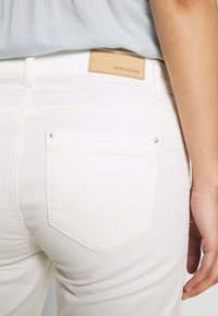 More & More - Slim fit jeans - off white - 4