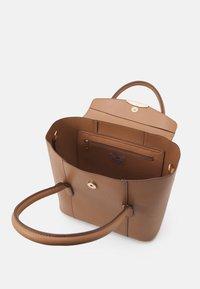 Anna Field - Handbag - camel - 2