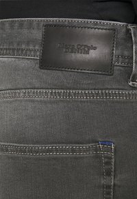 Marc O'Polo DENIM - POCKET REGULAR WAIST - Jeans Slim Fit - mid grey - 3