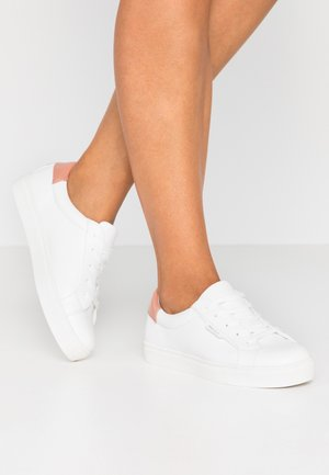 Baskets basses - rose/white