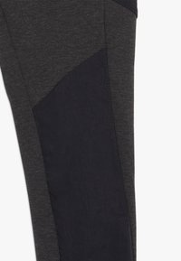 Nike Sportswear - TECH PANT WINTERIZED - Trainingsbroek - black/heather - 2