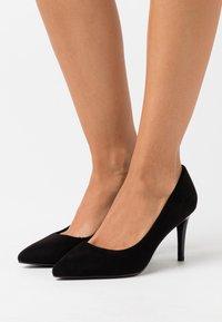 Buffalo - FANNY - Classic heels - black - 0