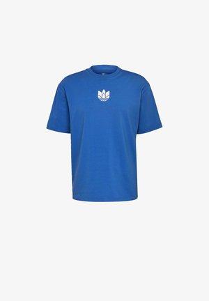 ADICOLOR 3D TREFOIL T-SHIRT - T-shirt med print - blue