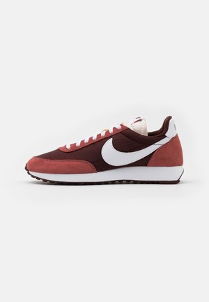 AIR TAILWIND 79 UNISEX - Sneakers laag - mystic dates/white/claystone red/sail/black