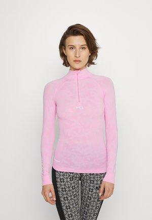 BUTTERFLY - Treningsskjorter - pink