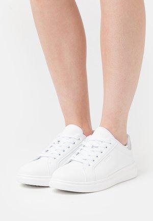ELLIS - Sneakers basse - regular white
