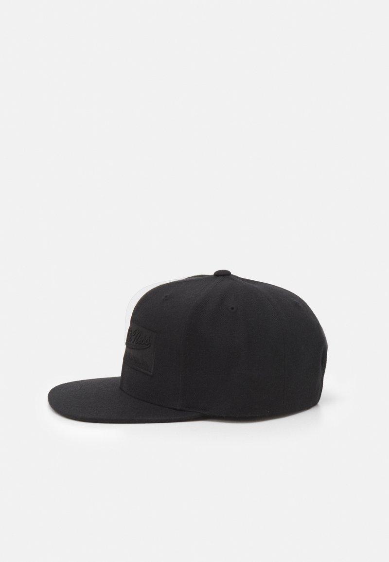 Mitchell & Ness - BRANDED BOX LOGO SNAPBACK - Cap - black