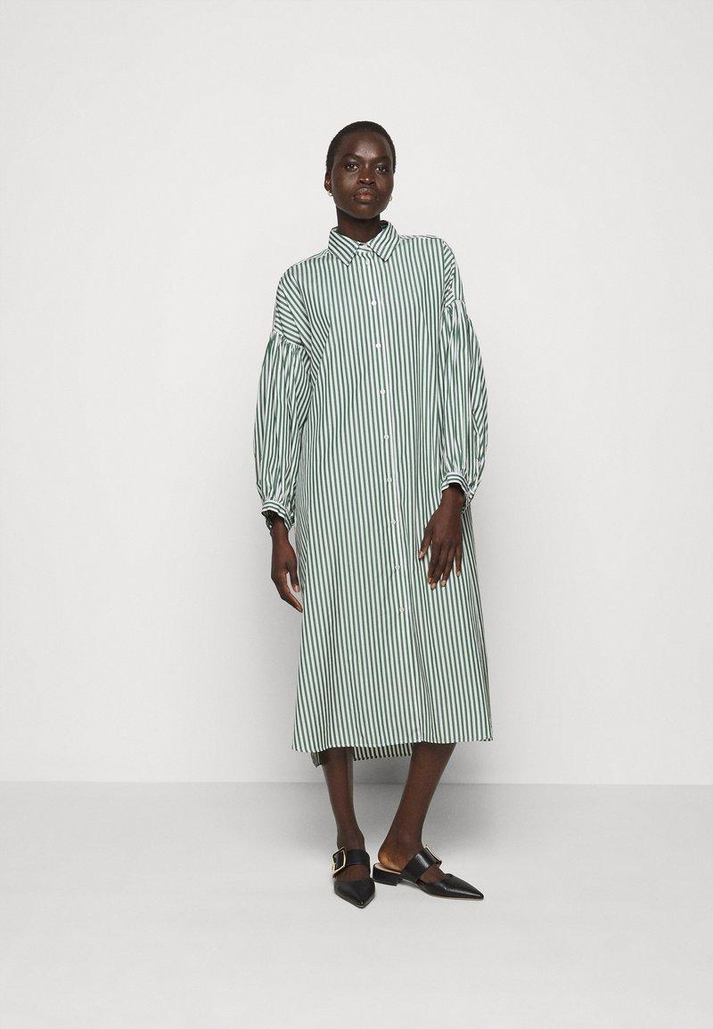 WEEKEND MaxMara - RAGAZZA - Shirt dress - gruen