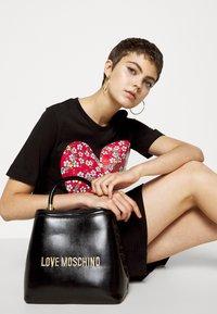 Love Moschino - BORSA - Sac à main - black - 0