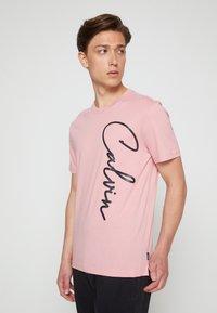 Calvin Klein - SUMMER SCRIPT LOGO - T-Shirt print - blush - 0