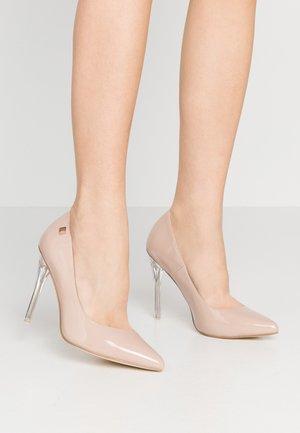 High heels - skin