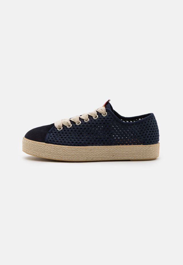 TAMYLIE - Casual lace-ups - marine