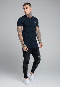 SIKSILK - NEPS TEE - Print T-shirt - navy - 1