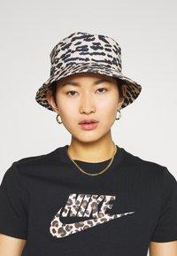 Nike Sportswear - TEE - T-shirt print - black - 3