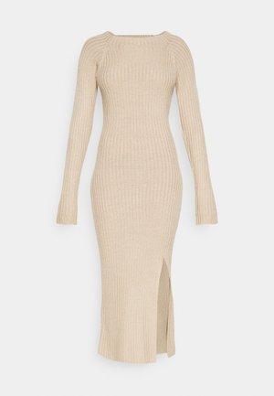 TWISTED BACK DRESS - Vestido de punto - beige