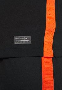 Nike Performance - NIEDERLANDE KNVB AWAY - Landslagströjor - black/safety orange - 5