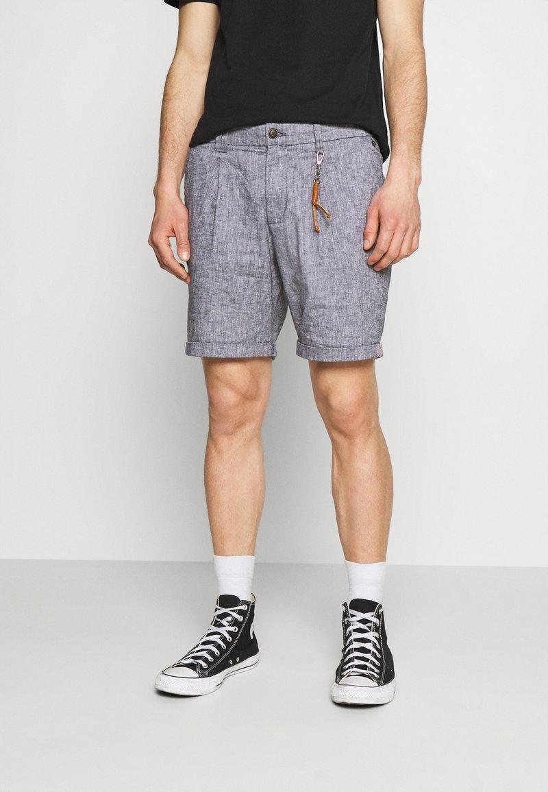 Jack & Jones PREMIUM - JJIMILTON CHINO - Shorts - navy blazer