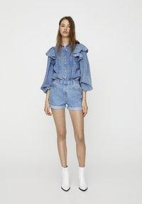 PULL&BEAR - Short en jean - light blue - 6