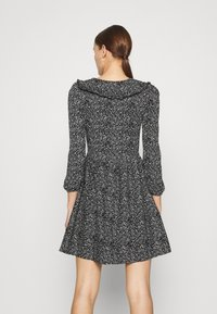 Dorothy Perkins - COLLAR FIT AND FLARE - Day dress - black - 2